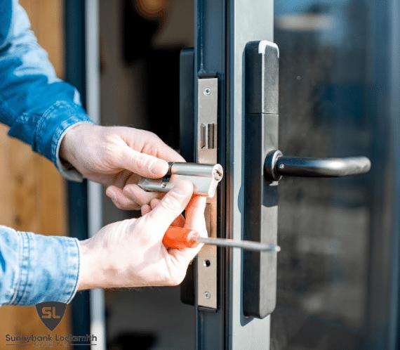 sunnybank locksmith - lock change service